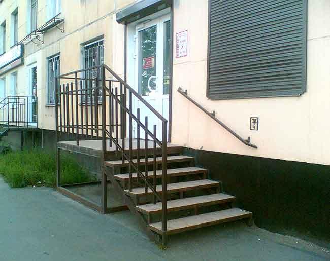 крыльцо дома Красноярск